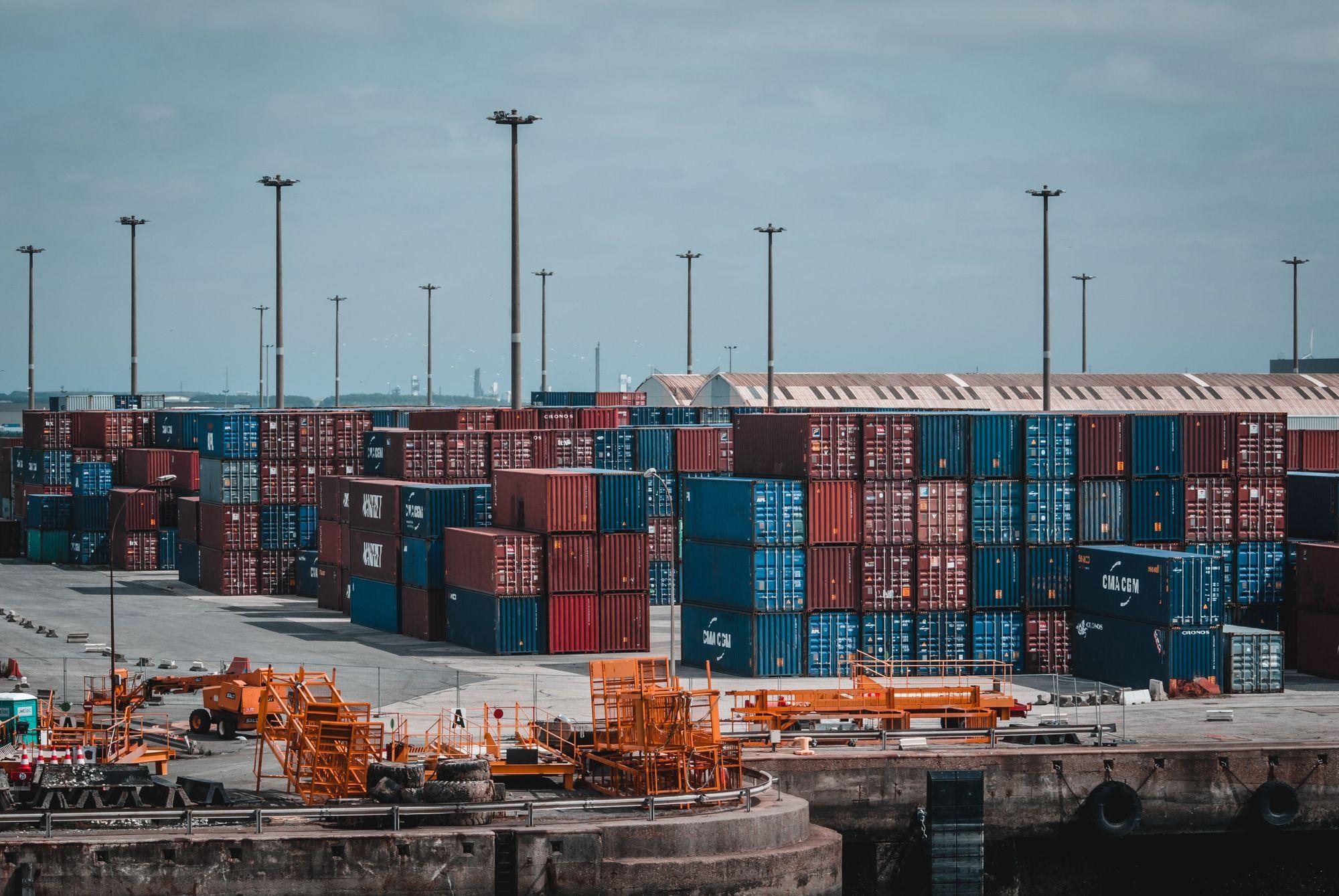 Freight Forwarder Vs. Easyship For Global eCommerce