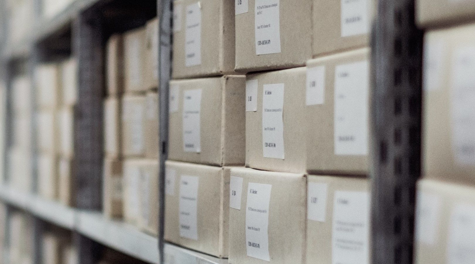 Dropshipping vs Owning Inventory: What Will Work for you?