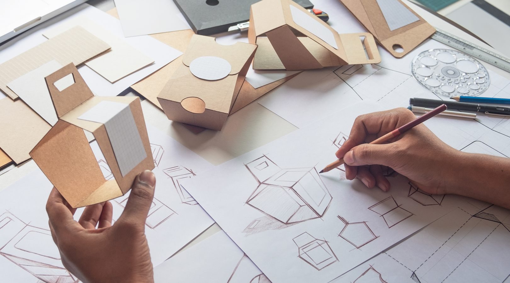 4 Tips To Design Awesome Custom Packaging for the Holidays