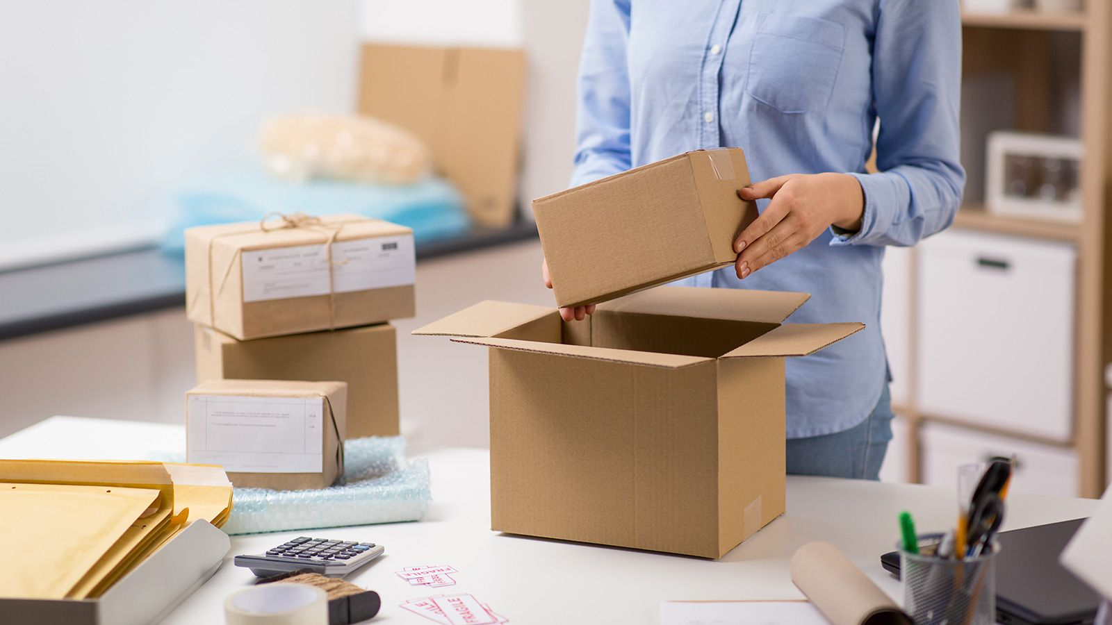 How to Reduce Your Shipping Costs with Order Consolidation